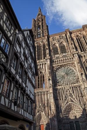 Antigua iglesia en Francia, Estrasburgo Foto de archivo