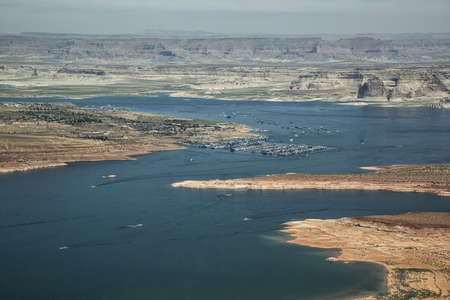 Foto a�rea, Lago Powell, Utah y Arizona