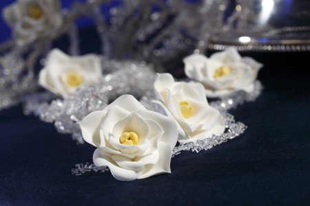 pasta di zucchero: fatti a mano in pasta di zucchero fiori (prodotto dolciario)