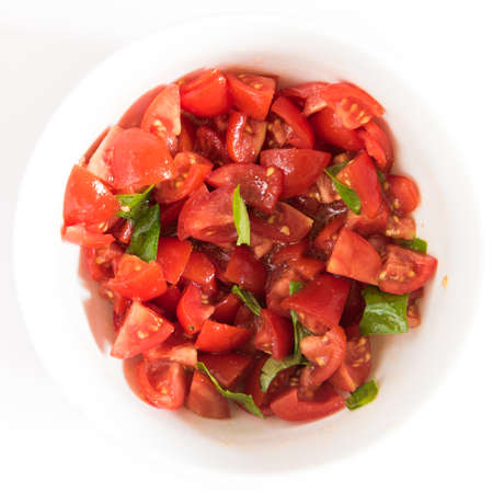 smal: Smal bowl with tomatoes and basil