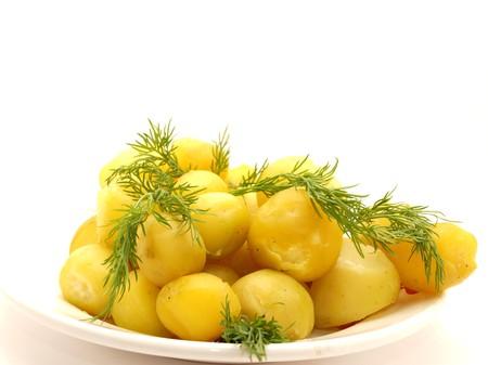 pure de papas: Patata hervida sobre un fondo blanco