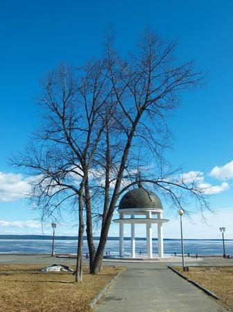 onega: Petrozavodsk: quay of Onega. Spring  Stock Photo