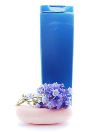 art�culos de perfumer�a: art?culos de tocador en el fondo blanco Foto de archivo