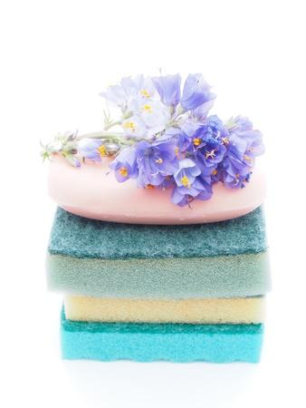 artigos de higiene pessoal: toiletries on white background Imagens