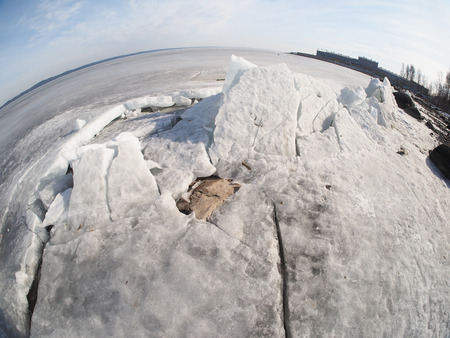 interstice: ice on the lake