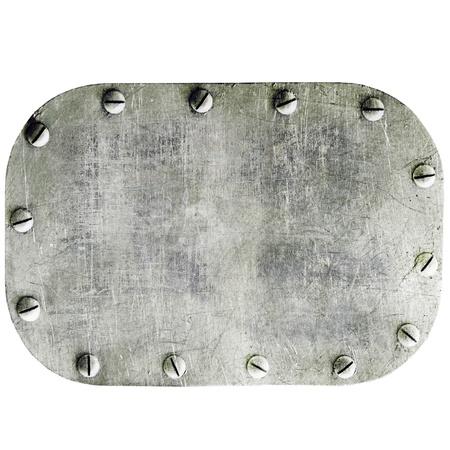 Placa de metal sobre fondo blanco