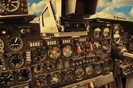 piloto de avion: Cabina de avi�n Antiguo Foto de archivo