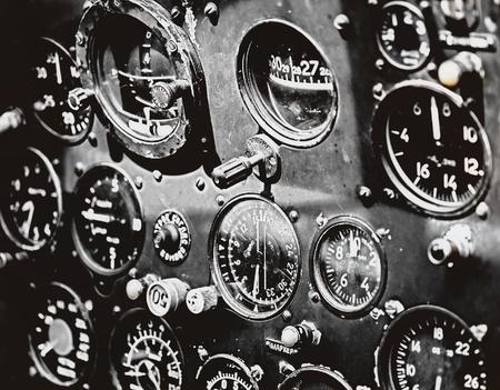 Militair vliegtuig cockpit in grunge stijl Stockfoto - 12507530