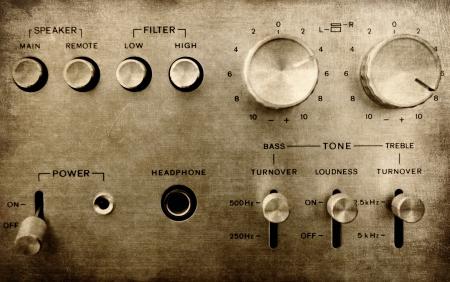 stereo: Grunge vieil ampli pr�s Banque d'images