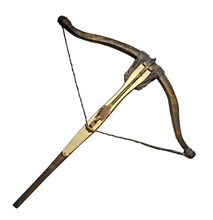 arco y flecha: Ballesta medieval aislado en blanco