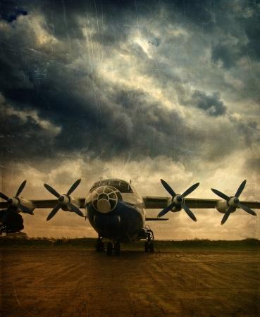 guerra: Antiguo avi�n de carga