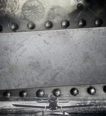 航空機: リベットで留められた金属板、軍の背景