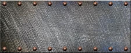 metales: Placa de acero con remaches