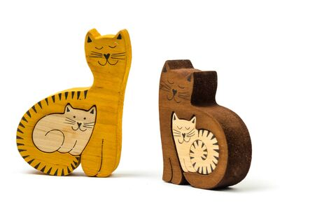 toy cats isolated on white background yellow and brown. Standard-Bild