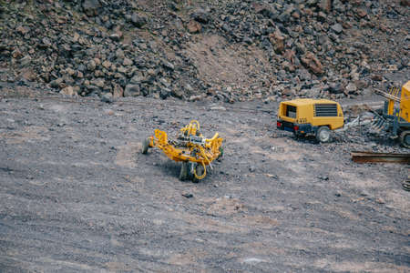 working equipment stands in the mountains russia stary oskol 1 may 2020 에디토리얼