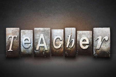 director de escuela: La palabra PROFESOR escrito en tipo de tipograf�a de �poca