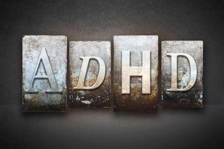 빈티지 활자 유형으로 쓰여진 글자 ADHD