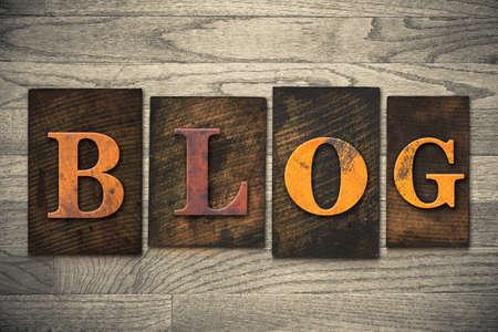 単語「ブログ」木製活版型で書かれました。