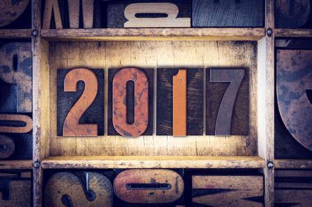 """Das Wort """"2017"""" in Vintage-Holz-Buch-Typ geschrieben."""