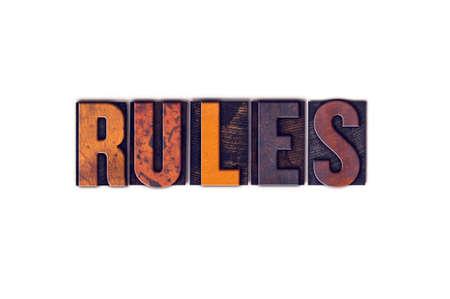 """edicto: La palabra """"Reglamento"""" escrito en el tipo de tipografía de madera aislada de la vendimia en un fondo blanco."""