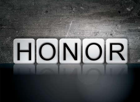 """obey: La palabra """"honor"""" escrito en baldosas blancas contra un fondo oscuro del grunge de la vendimia."""