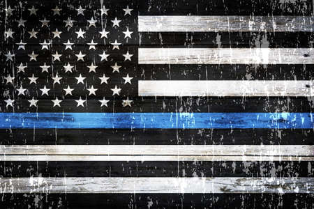Een Amerikaanse vlag symbolisch voor steun voor wetshandhaving.