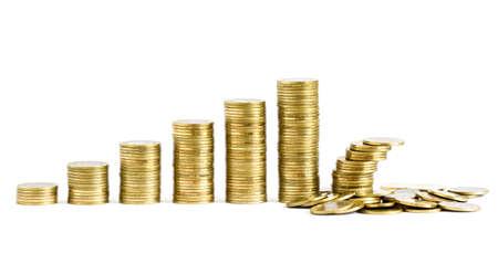 Pile di monete isolato su uno sfondo bianco