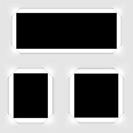 Cornice per foto realistica retrò isolata su sfondo bianco per il design della foto del modello. illustrazione vettoriale Vettoriali