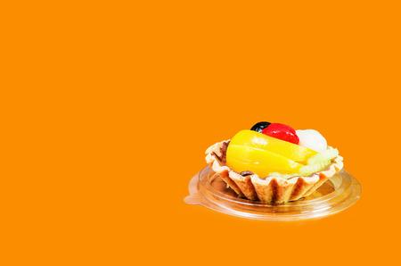 fruit tart: fruit tart looks delicouise on color background Stock Photo