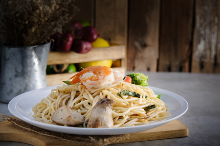 spaghetti healthy meal cooked with prawn, mushroom and broccoli