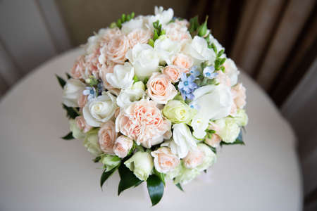 Delicate wedding bouquet of white and pink roses.Delicate wedding bouquet of white and pink roses Reklamní fotografie
