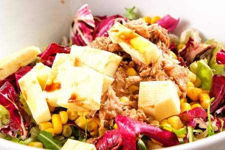 mais: fresh salad with tuna, mais, arugula Stock Photo