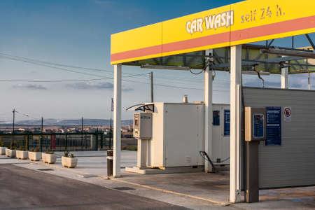 stations: Car wash sign
