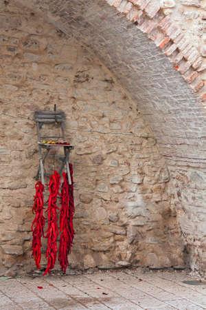 chiles secos: pimientos rojos en el secado Foto de archivo