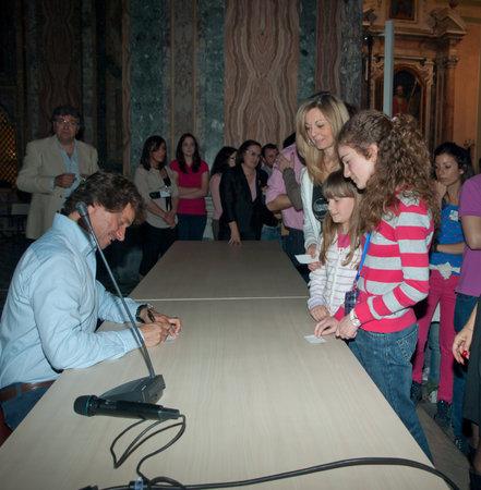 alberto: Alberto Angela famoso documental italiano de 2012 - de la Universidad Federico II de N�poles - Italia Editorial