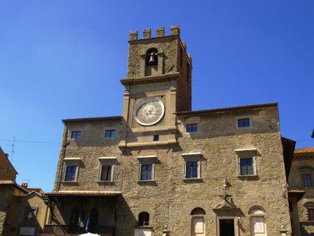 agriturismo: Municipal building in principal square -medieval cortona, tuscany, italy, Editorial
