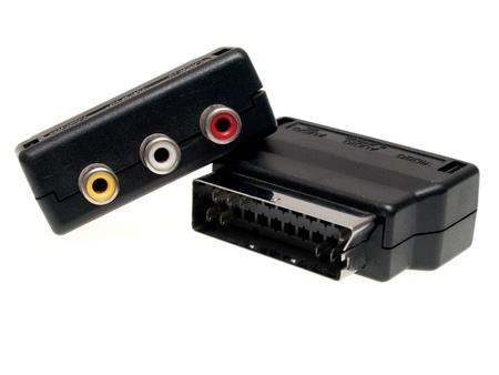 rca: adattatore video scart - rca Archivio Fotografico