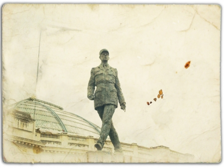 charles de gaulle: old postcard paris de gaulle president Stock Photo