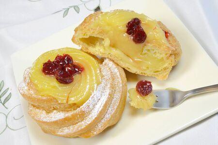 zeppole: zepppole original fried neapolitan pastry