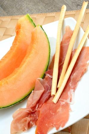 breadsticks: aperitivo con jam�n colines cantalupo mel�n y aceite de oliva