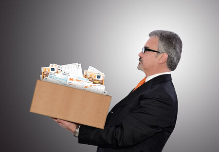 conceptuele illustratie van de mens gestresst van te veel belasting Stockfoto