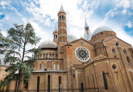 View of historical Basilica of St. Anthony in Padua - Italy Imagens
