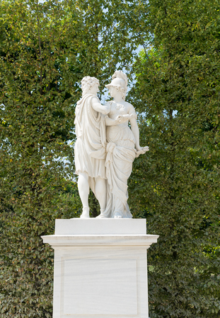schoenbrunn: VIENNA - AUGUST 3: Statues in the garden of Schoenbrunn Castle Sissi. Since 1996 the palace and the garden sono stati declared World Heritage by UNESCO. on august 3.2015 in Wien
