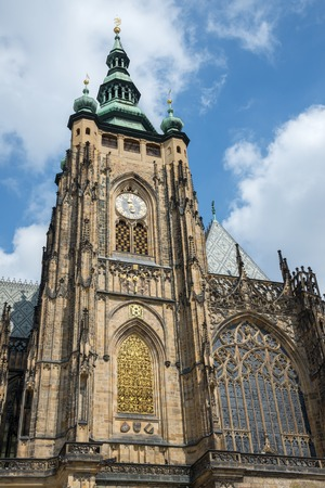 praga: View of the St.Vitus Cathedral in Prague, Czech Republic.