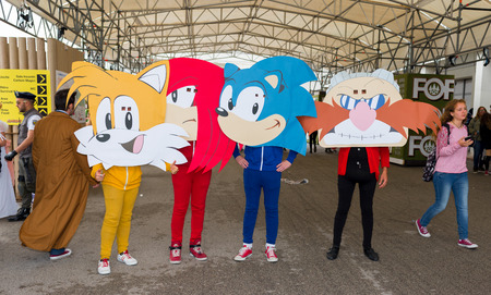 sonic: NAPLES, ITALY- APRIL 22: cosplay Sonic pose during the 18th edition of the International Cartoon Comicon on  april 22, 2016 in Naples Editorial