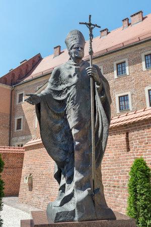 Krakow,Poland - August 5,2017:statue of Pope Wojtyla - John Paul II in Wawel Castle Editoriali