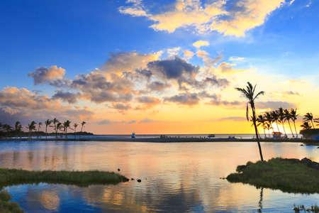 cielo atardecer: Puesta de sol cielo y el paisaje marino