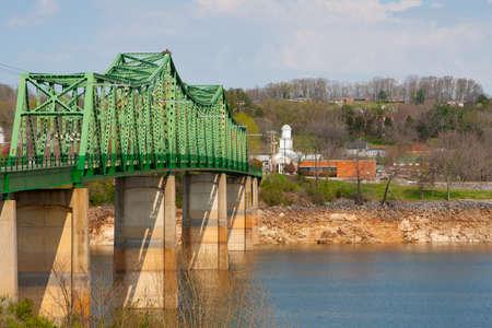 Bridge leading to downtown Dandridge, Tennessee Imagens