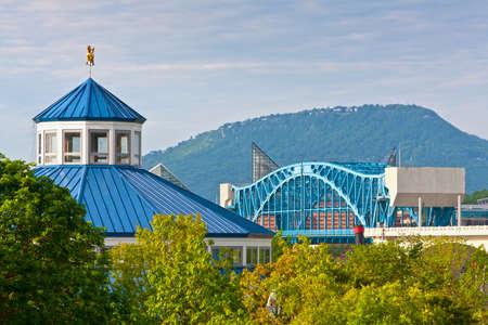 Gezicht op het centrum van Chattanooga en Lookout Mountain Stockfoto
