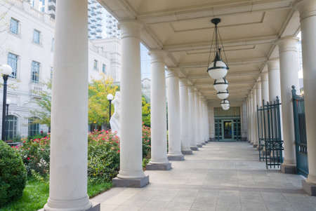schermerhorn: Entryway with colonnade and garden at Schermerhorn Symphony Center